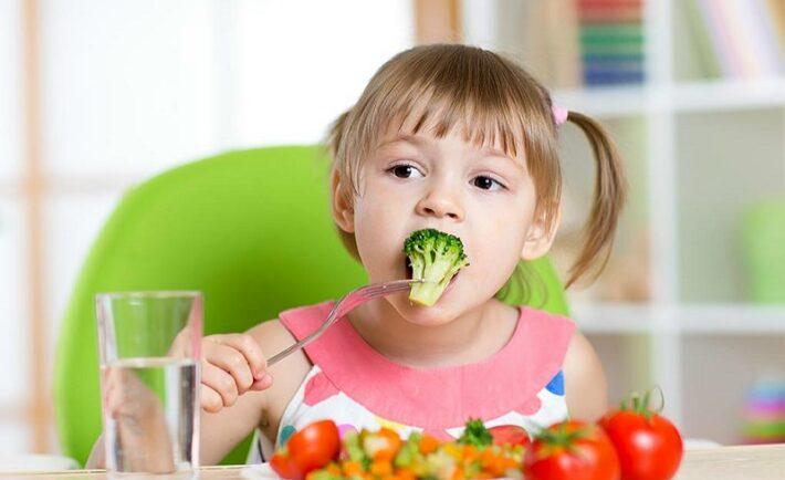 Πώς θα πείσετε το παιδί να φάει τα λαχανικά του