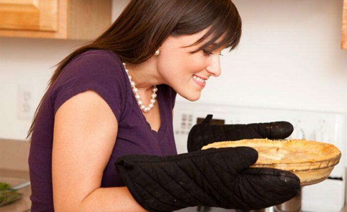 7 μαγειρικά τρικ που θα σας λύσουν τα χέρια στην κουζίνα
