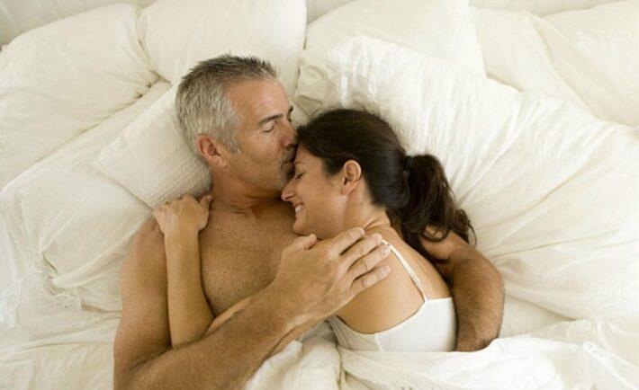 Έξι συμβουλές για καλύτερο σεξ μετά τα 50