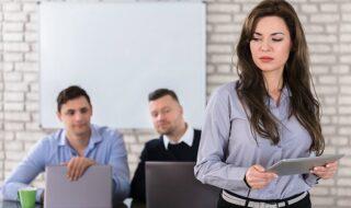 Σεξουαλική παρενόχληση στο χώρο εργασίας: τι μπορεί να περιλαμβάνει;