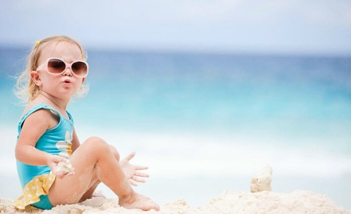 Τέσσερις τρόποι να αγαπήσει το παιδί τη θάλασσα