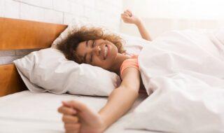 10 μυστικά για καλύτερο ύπνο το καλοκαίρι